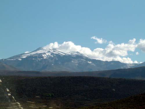 El Volcán Tromen desde la RN40<br>autor