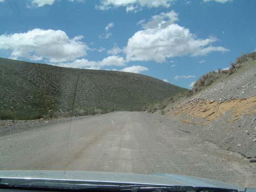 """El """"pavimento"""" de la ruta 40 en el sur de Mendoza en enero del 2008<br>autor"""